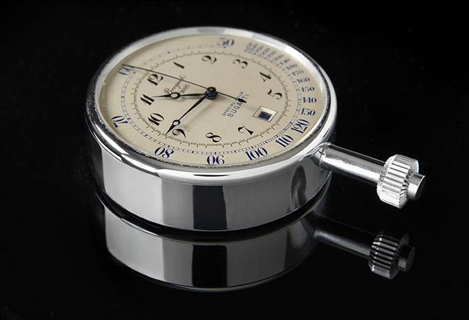 Une montre Breguet pour Bugatti exposée à la Cité de l'Automobile